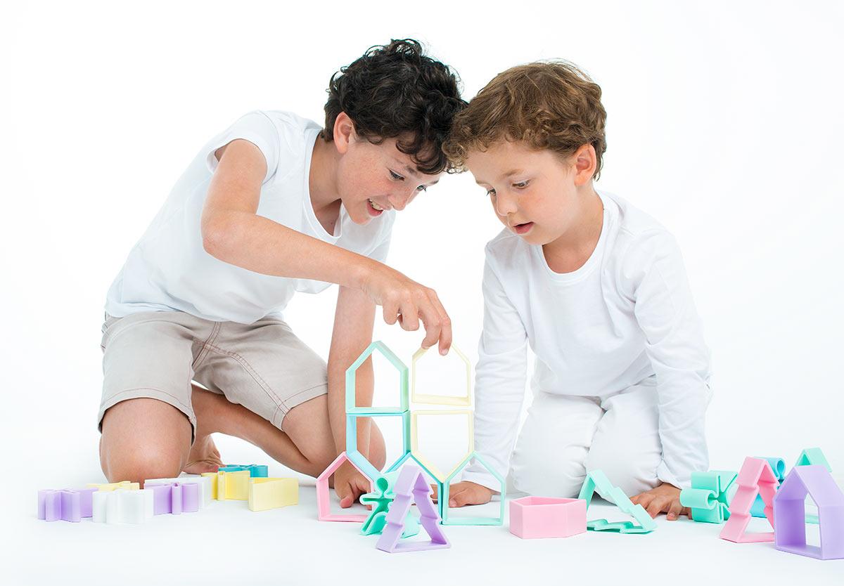 pack-12-piezas-nuestros-juguetes-dena-is-possible-6