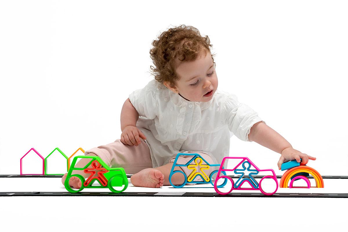 lifestyle-neon-dena-car-dena-toys-3